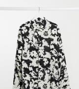 ASOS DESIGN Plus – Svartvit skjorta i regular fit med blommönster