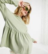 ASOS DESIGN Maternity – Salviagrön vardagstopp med smock och lång ärm-...
